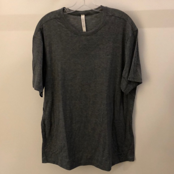 lululemon athletica Other - Lululemon men's gray SS top, sz XL, 64882